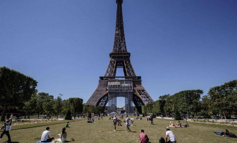 """Photo of فرنسا تلغي""""الكمامات الإلزامية"""" وحظر التجول"""