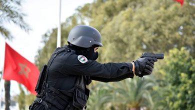 Photo of إطلاق الرصاص بسطات لتوقيف ثلاثة مروجي مخدرات مدججين بالسكاكين هاجموا عناصر أمن